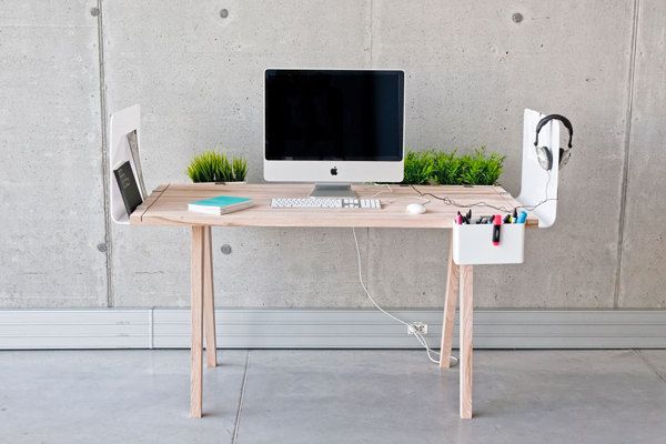 The Worknest Modular Desk [http://www.behance.net/gallery/WORKNEST/9025739]