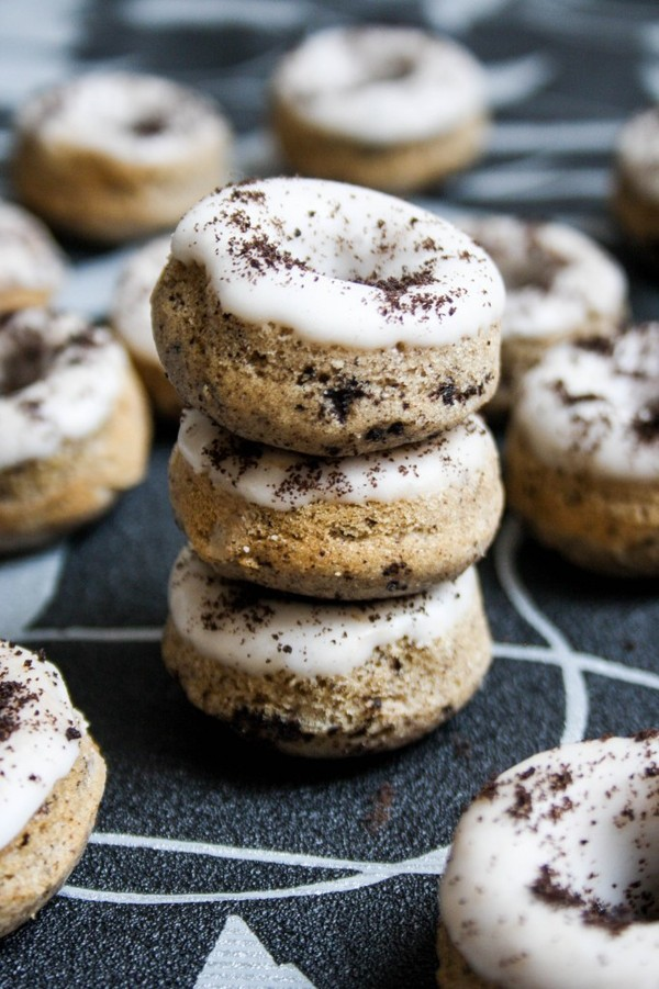 Credit: Oreo doughnuts via Mess Makes Food [http://www.messmakesfood.com/mini-oreo-donut-recipe/]