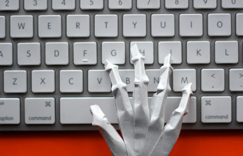 Origami-skeleton-hand-keyboard_large