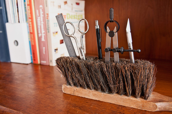 Diy-brush-desk-organizer-1_large