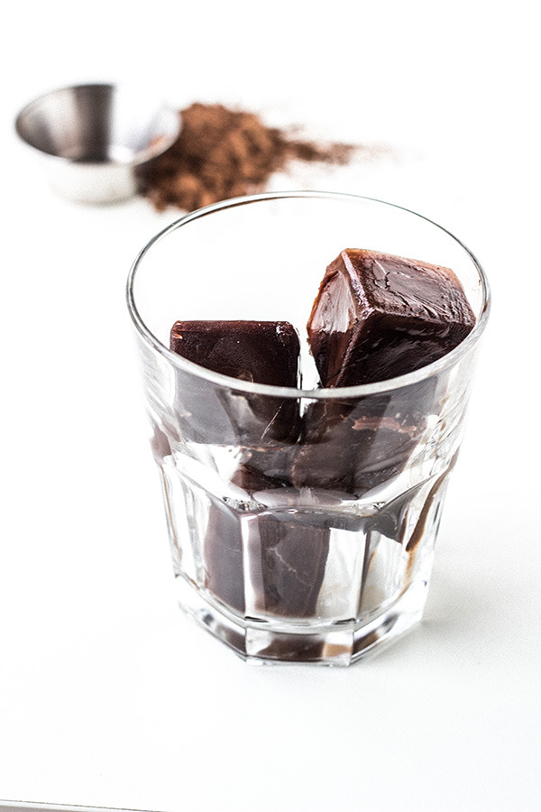 How to make dark chocolate flavoured ice cubes