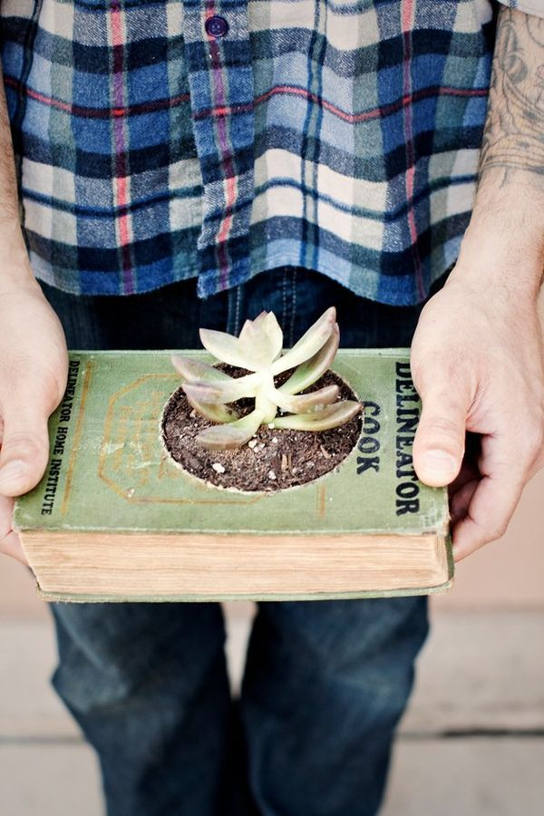 7 DIY Projects For Your Old Books