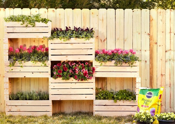 Want to Learn How to Make this Awesome Vertical Garden Project? Join Us For a Free Workshop!