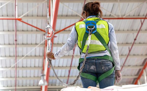 Mulheres na construção