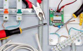 Cuidados com instalações elétricas no canteiro de obras
