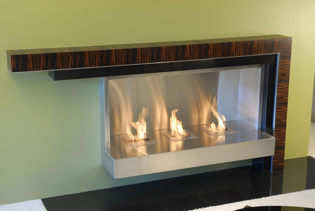 3JIVAmncRsOSK8lUdJ2n_Lee%20Weitzman%20fireplace%20mantle%20via%20CustomMade.jpg