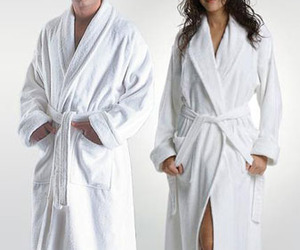 10-things-to-consider-when-buying-a-bathrobe-m