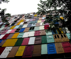 1000-doors-insatallation-by-choi-jeong-hwa-m
