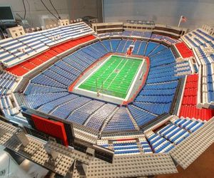 20-foot-ralph-wilson-stadium-from-30000-lego-bricks-m