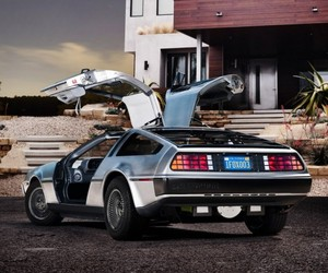 2013-all-electric-dmc-delorean-m