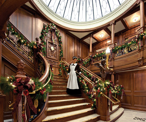 Beautifully Decorated Christmas Staircases
