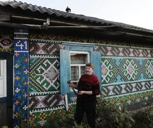 30,000 Re-Used Bottle Caps On A Russian Home