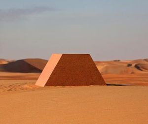 340-million-oil-barrels-pyramid-in-abu-dhabi-m