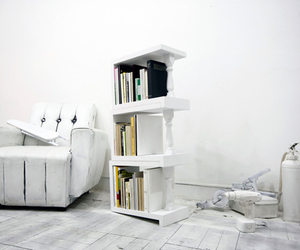 4°:Bookshelves with 4 Degree Angle