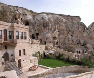 5-star-hotel-built-into-ancient-caves-m