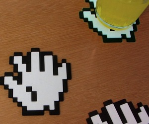 8bit-hands-coasters-m