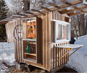 A-24-square-foot-tiny-house-on-sale-for-3000-m