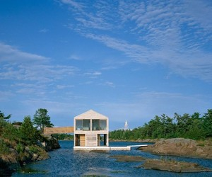 A-floating-house-by-mos-architects-m