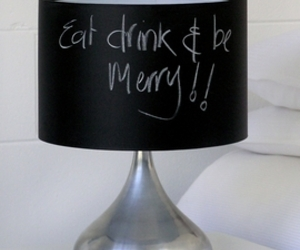A-lamp-whose-shade-doubles-as-a-chalkboard-m