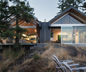 A-magnificent-dwelling-on-bowen-island-m
