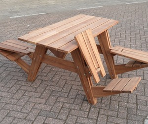 A-picnic-table-that-transforms-into-four-lounge-chairs-m