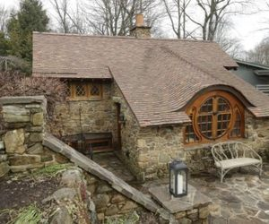 A-real-life-hobbit-house-in-chester-country-pennsylvania-m