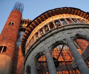 A Single Man builds a Cathedral From Salvaged Materials