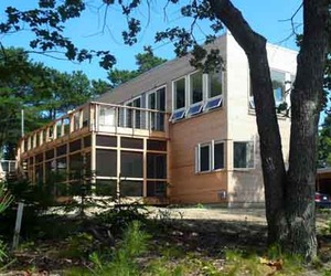 A-sustainable-design-of-peconic-bay-house-m