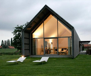 A-transformed-barn-into-a-stylish-home-2-m