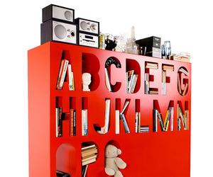 Aakkoset-alphabetized-storage-system-by-lincoln-kayiw-m