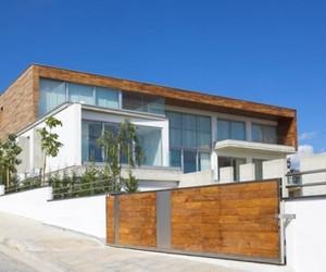 Adamos-residence-by-varda-studio-2-m