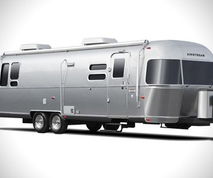 Airstream-land-yacht-m