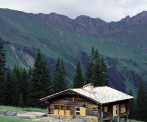 Alpine-hut-746-m