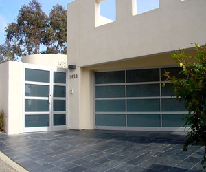 Aluminum-and-glass-entry-systems-m