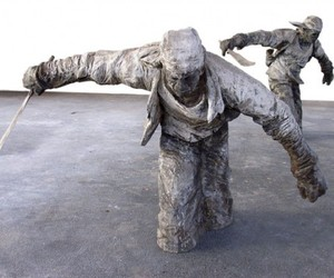 Amazing-wood-sculptures-by-gregor-gaida-m