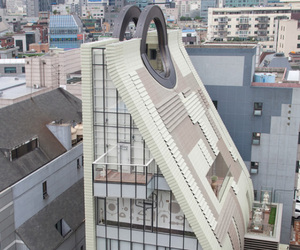 Amusing-seoul-museum-shaped-like-a-handbag-m