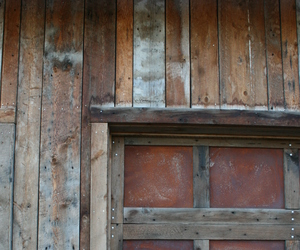 Antique-barnstyletm-brown-siding-m