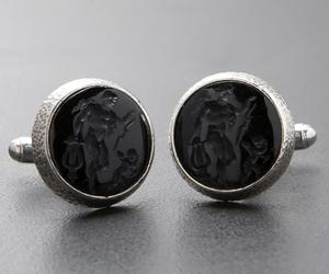 Apollo-with-lyre-eros-black-onyx-silver-cufflinks-m