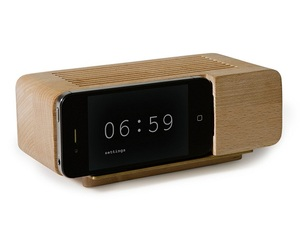 Apple-iphone-wooden-alarm-dock-m