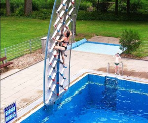 Aquaclimb-poolside-climbing-walls-m