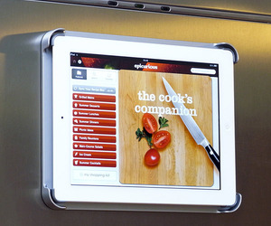 Attention-foodies-mount-your-ipad-to-the-fridge-m