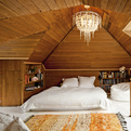 Attic-bedroom-by-jessica-helgerson-interior-design-s