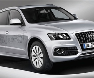 Audi-heads-in-a-new-direction-with-the-q5-hybrid-m