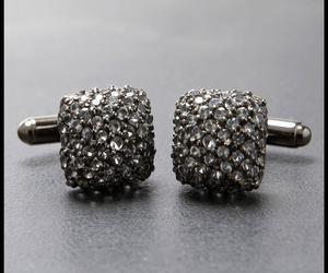 Avant-garde-smoke-silver-cufflinks-m