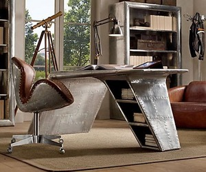 Aviator-wing-desk-inspired-by-airplane-m