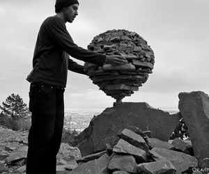 Balanced-rock-sculptures-held-up-by-gravity-alone-m