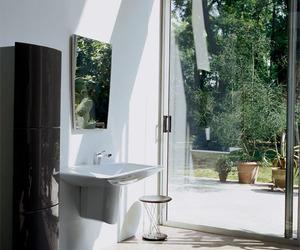 Bathroom-by-former-apple-designer-m