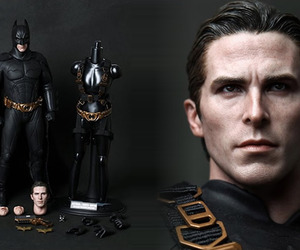 Batman-hyper-realistic-collectible-figure-by-hot-toys-m