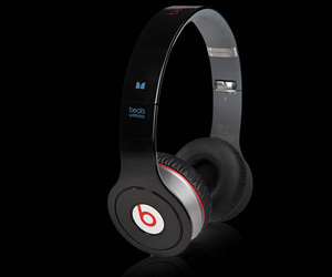 Beats-by-dr-dre-wireless-headphones-m