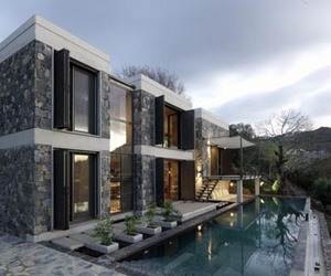 Beautiful-modern-home-4-m